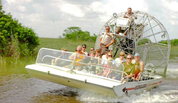 łodzie w Everglades