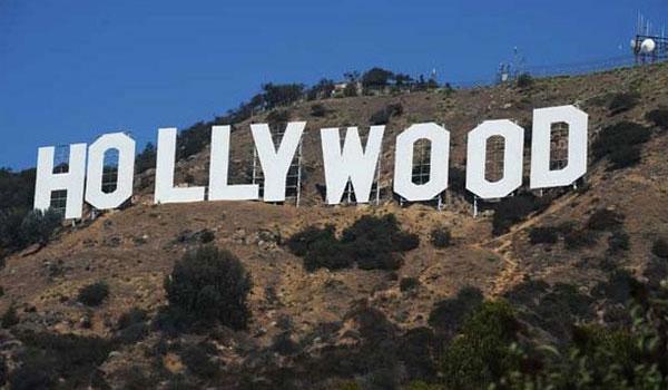 napis Hollywood