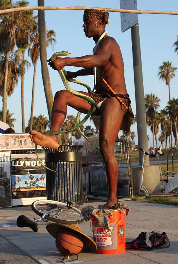 artysta uliczny Venice promenada