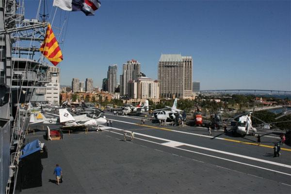 lotniskowiec San Diego