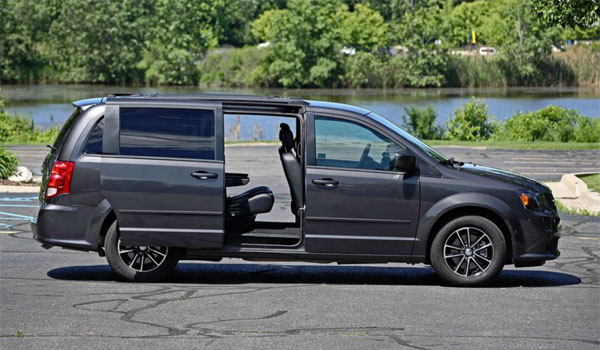 Dodge Caravan minivan Fresno